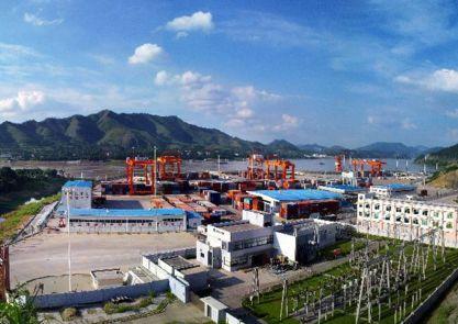 云浮:计划未来五年打造进口石材物流集散基地、西江流域枢纽港挖泥船